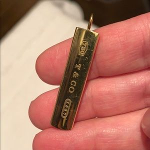 Authentic Tiffany&Co solid 18k bar charm